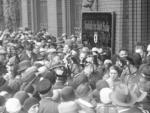 Historischer Crash: Andrang von Sparern vor der Sparkasse der Stadt Berlin nach dem Zusammenbruch der Nationalbank 1931