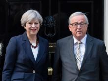 Theresa May und Jean-Claude Juncker in der Downing Street