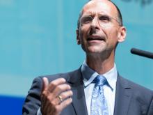 """Filzmaier: EU-Wahl keine """"gmahde Wiesn"""" für Brüssel-kritische Parteien"""