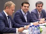 Donald TUSK, Alexis TSIPRAS und Finanzminister Euclid TSAKALOTOS