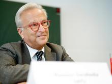 Hannes Swoboda: Der türkische Präsident Gül muss dafür sorgen, dass Erdogan in die Schranken verwiesen wird