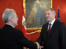 Lettlands Botschafter in Wien, Edgars Skuja, mit Bundespräsident Heinz Fischer