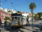 Lissabon - Weiße Hügelstadt am Meer