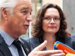 Bundesarbeitsministerin Andrea Nahles  und ihr französischer Amtskollege François Rebsamen