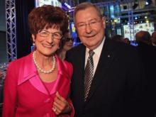 Der langjährige Chef der Raiffeisenlandesbank OÖ, Ludwig Scharinger mit seiner Gattin Anneliese