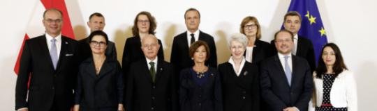 Gruppenfoto Bundesministerinnen und Bundesminister | DRAGAN TATIC/BKA (Ausschnitt)